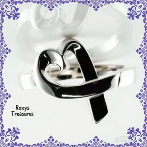 Tiffany& Co Loving HeartRing